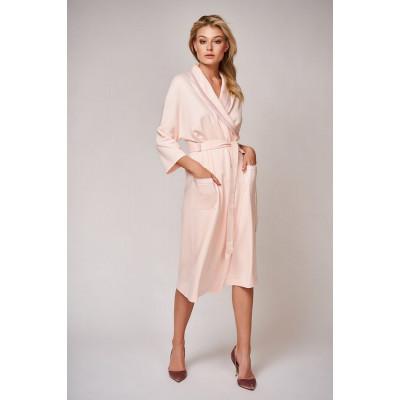 Красивый халат длины чуть ниже колена